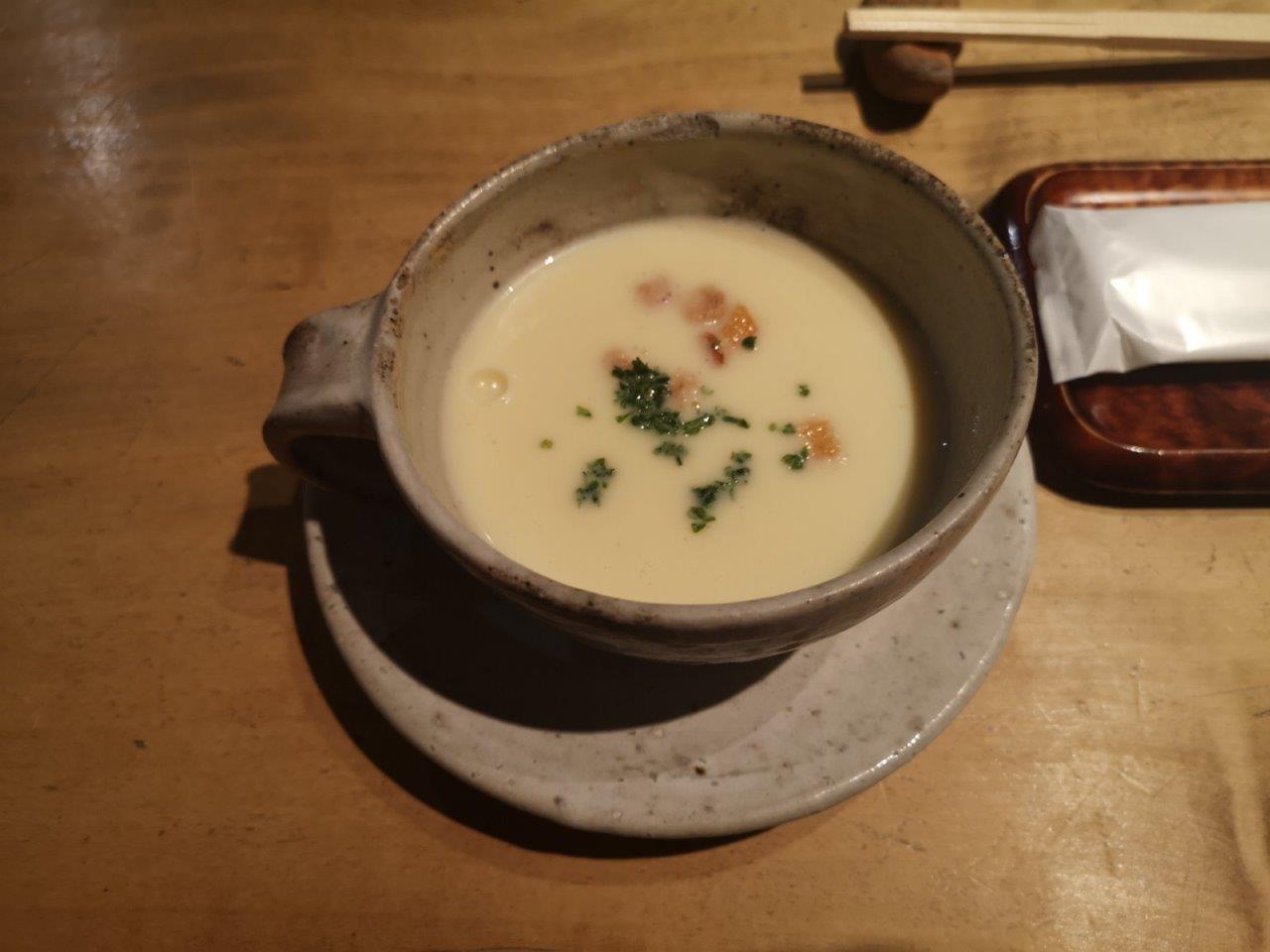 ホワイトアスパラガスのスープ