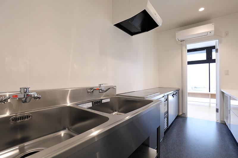 キッチン調理室