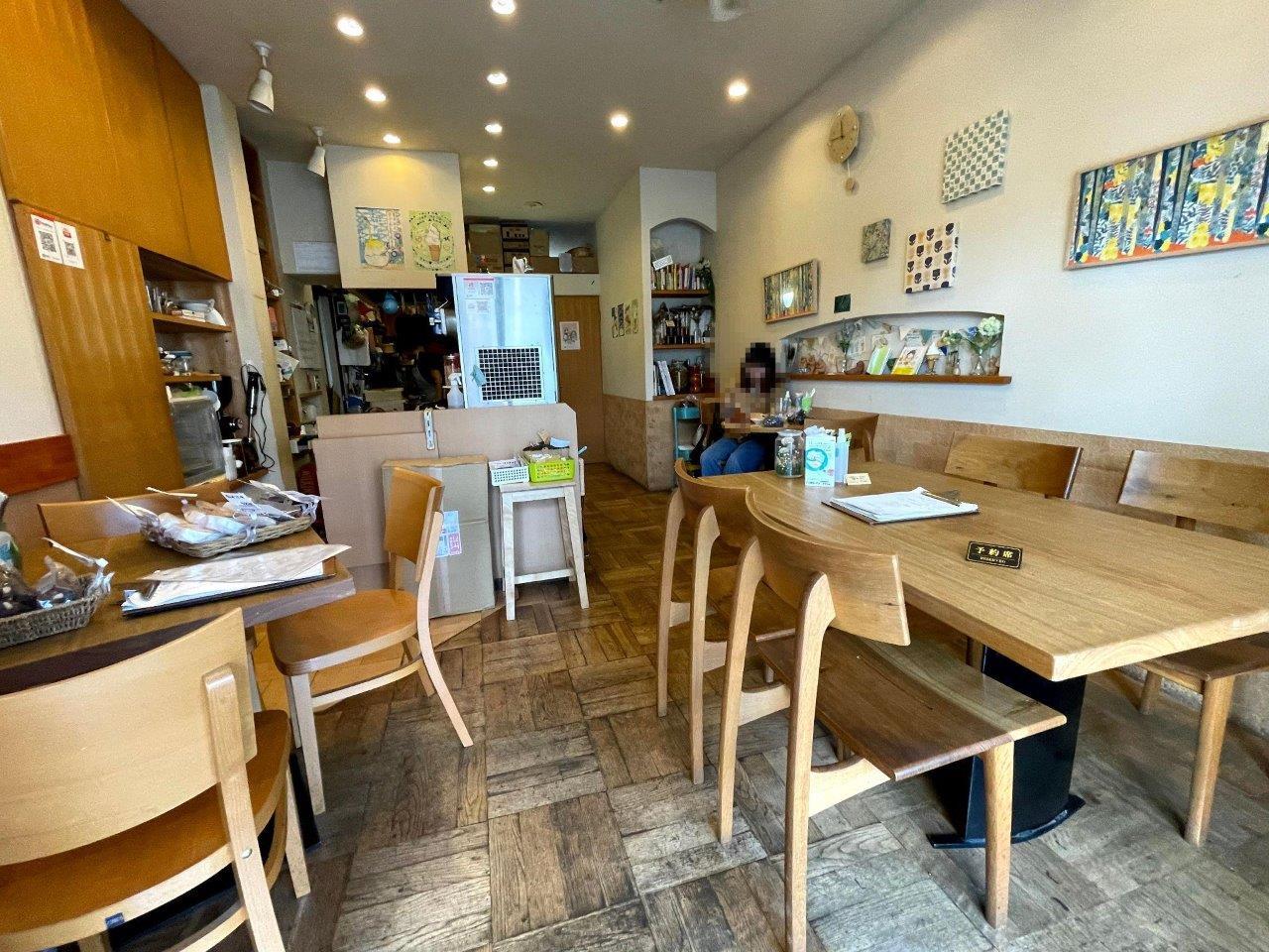 発酵カフェ こじか食堂の店内